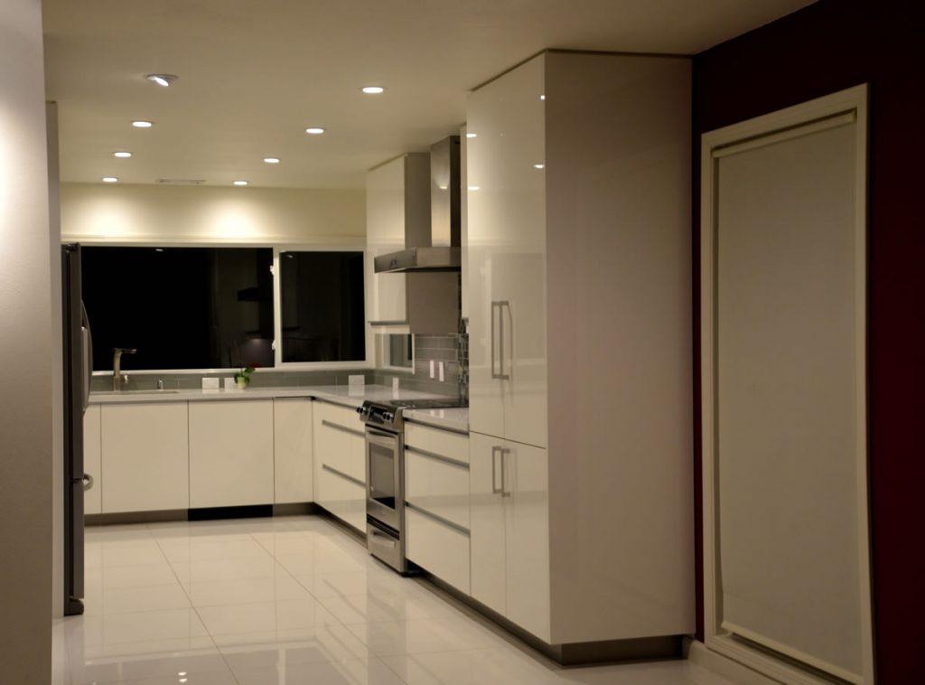 Mission Viejo Contemporary Kitchen | Le Gourmet Kitchen Ltd.