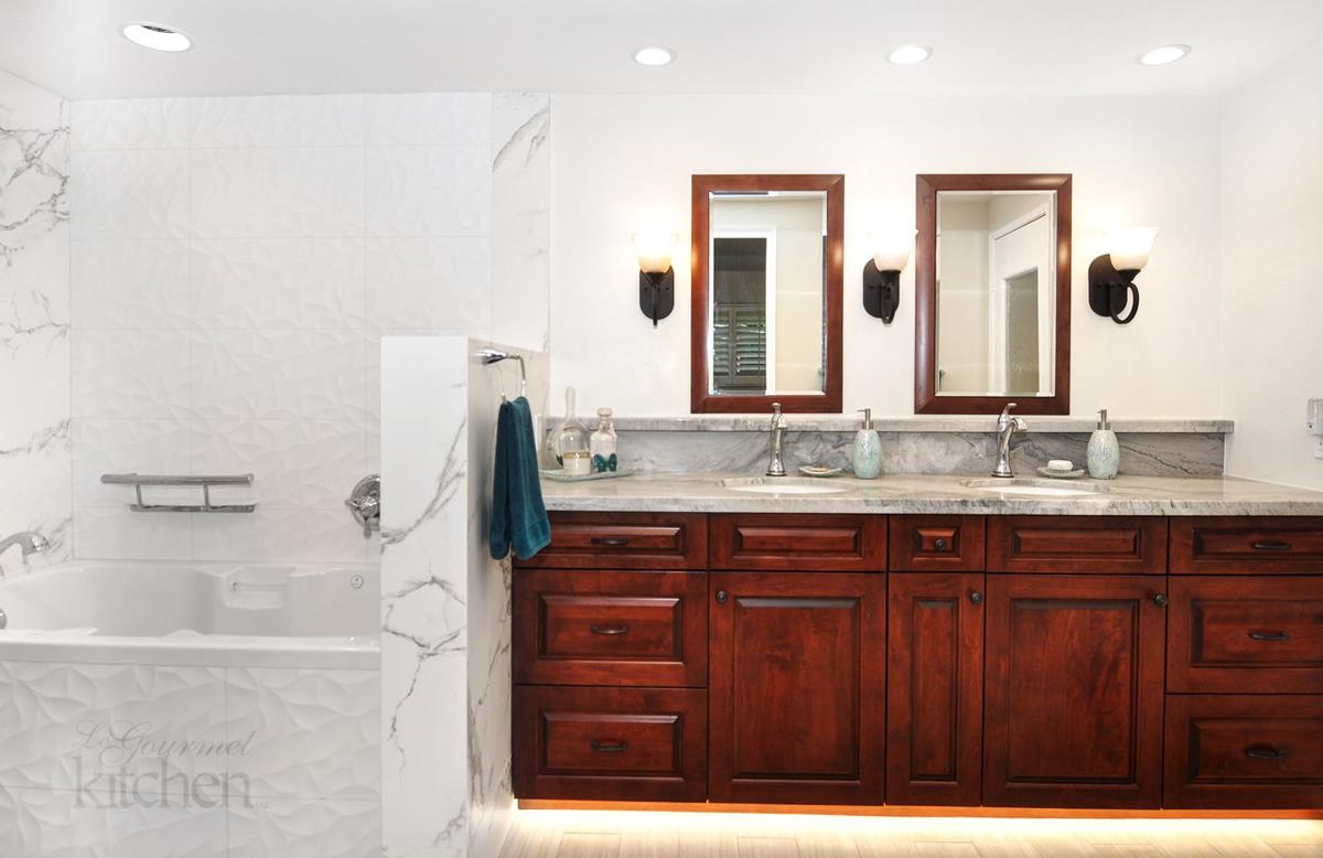 Bathrooms of Le Gourmet Kitchen | Le Gourmet Kitchen Ltd.