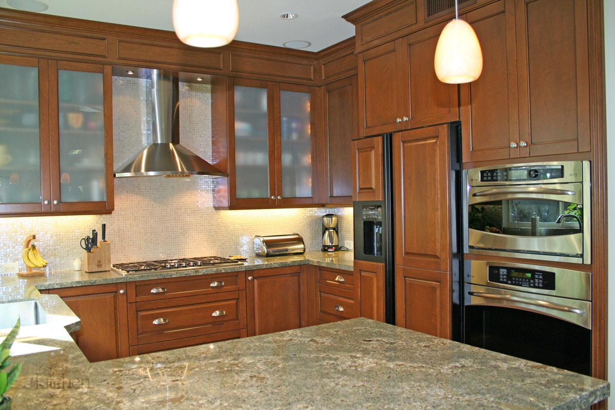 kitchen design with cherry wood cabinets