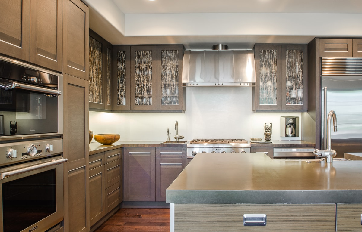 Kitchen design with contemporary style hood