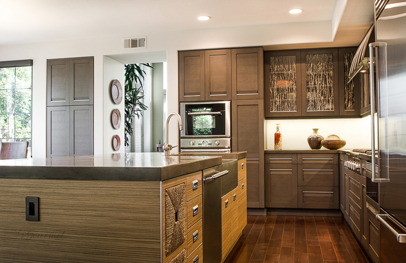 Kitchen design with integrated hardware